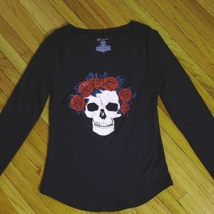 Black long- sleeve T-shirt with skull rose crown